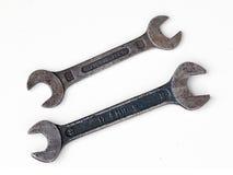 Twee oude moersleutels Stock Afbeeldingen