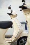 Twee Oude Motorfietsen van de Manier stock foto