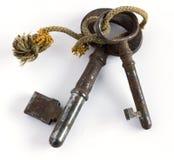 Twee oude sleutels Royalty-vrije Stock Afbeeldingen