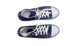Twee paren comfortabele schoenen: voor mannen en voor vrouwen Royalty-vrije Stock Foto's