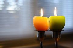 Twee Pasen-kaarsen Stock Afbeeldingen