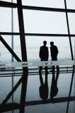 Twee Personeelsleden van de Luchthavens van Peking Stock Afbeelding