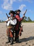 Twee Piraten Dueling Stock Foto's