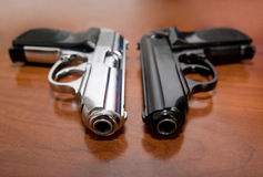 Twee pistolen stock fotografie