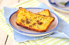 De oranje Cake van het Brood met Sultanarozijnen Royalty-vrije Stock Afbeeldingen