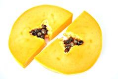 Twee plakken van papaja Stock Afbeelding