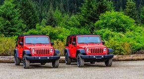 Twee Rode Jeeps royalty-vrije stock fotografie