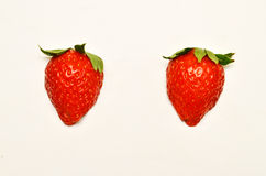 Twee rode rijpe aardbeien Stock Afbeelding