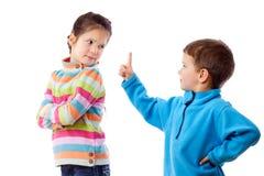 Twee ruzie makende kinderen royalty-vrije stock foto