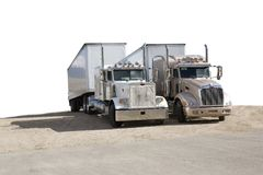 Twee semi vrachtwagens royalty-vrije stock afbeeldingen