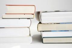 Twee stapels van boeken Stock Foto's