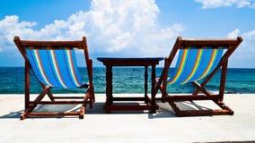 Twee stoelen op het Eiland Stock Afbeelding