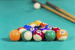 Twee stokken met biljartballen Royalty-vrije Stock Fotografie