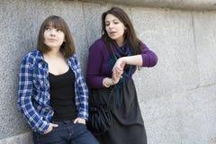 Twee tienermeisjes Royalty-vrije Stock Afbeelding