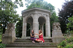 Twee tienermeisjes Royalty-vrije Stock Foto's