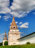 Twee torens van klooster iosifo-Volotsky Stock Foto