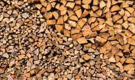 Twee types van timmerhout die op een stapel worden gestapeld Stock Foto