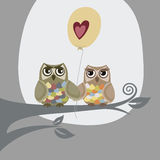 Twee uilen en liefdeballon Royalty-vrije Stock Afbeelding