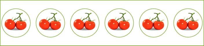Twee van rode tomaten in sommige bellen Stock Afbeelding
