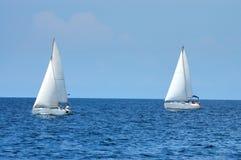 Twee varende schepen Stock Foto