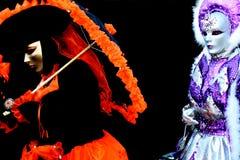Twee venitian gemaskeerde vrouwen royalty-vrije stock foto's