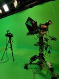 Twee videocamera's in de studio stock fotografie