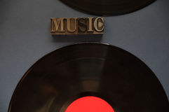 Twee vinylverslagen met muziekwoord royalty-vrije stock afbeeldingen