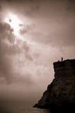 Twee vissers op een hoge klip Royalty-vrije Stock Afbeelding