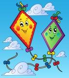 Twee vliegende vliegers op blauwe hemel Royalty-vrije Stock Foto