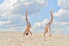 Twee vrolijke jongens Stock Foto