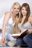 Twee vrouwen Stock Afbeelding
