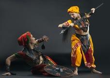 Twee vrouwenstrijd met spear en schild Stock Foto