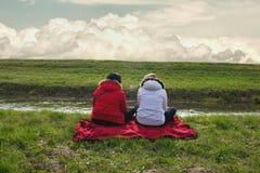Twee vrouwenvrienden Stock Afbeeldingen
