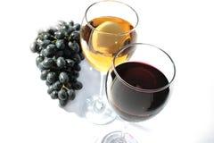 Twee wijnglazen Stock Afbeeldingen