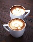 Twee witte koppen van koffie Stock Fotografie