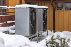 Twee woon moderne warmtepompen stock fotografie