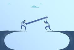 Twee Zakenlieden die Brug over Cliff Gap Mountain Business People-het Groepswerkconcept van de Samenwerkingshulp bouwen vector illustratie