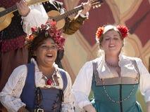 Twee zangers bij Renaissancemarkt Stock Afbeeldingen