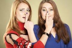 Twee zonderlinge zusters Stock Afbeeldingen
