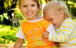 Twee zusters Stock Foto's