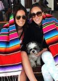 Twee Zusters op een Bootrit Stock Afbeelding