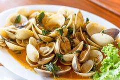 Tweekleppige schelpdieren Shell in Chili Paste royalty-vrije stock foto's
