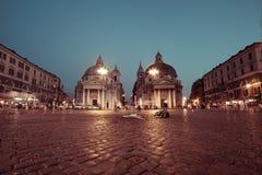 Tweeling barokke kerken, Chiesa-dei Miracoli van Di Santa Maria en Chiesa-Di Santa Maria op Montesanto, Piazza del Popolo Stock Foto