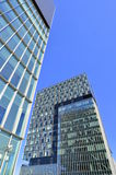 Tweeling bedrijfstorens - architecturale samenstelling Stock Foto