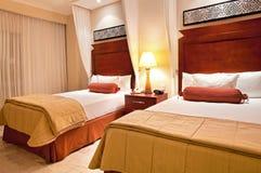 Tweeling slaapkamer royalty-vrije stock afbeeldingen