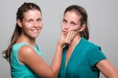 Tweeling zusters Royalty-vrije Stock Foto's