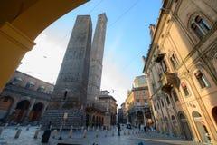 Tweelingentoren in Bologna Stock Afbeeldingen