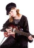 Tween, das Gitarre spielt Stockfoto