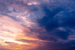 Twilight небо и пасмурный кумулюс Стоковые Изображения RF