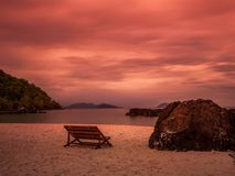 Twilight пляж моря на Trat Таиланде Стоковые Фото